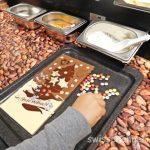 大人も子供も夢中!aeschbach chocolatier (LU) で自分だけのチョコレートを作ろう♪